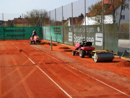 Freigabe der Tennisplätze